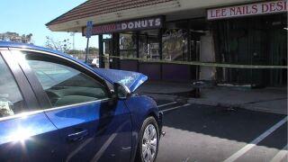 Video: Samaritan helps after donut shop crash