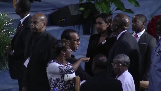 PHOTOS: Celebrities and dignitaries fill Aretha Franklin's funeral in Detroit