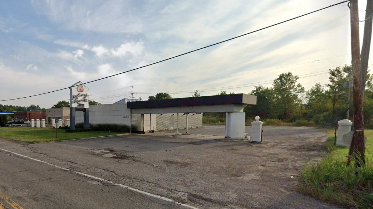 13 COVID-19 cases linked to Romulus bar and restaurant, health officials say