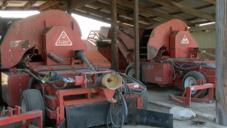 Low-dust harvesters