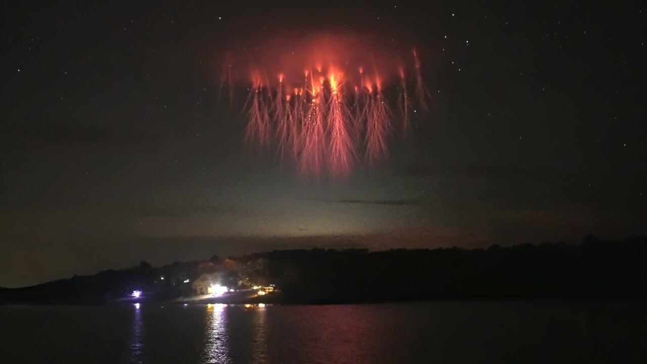 Lightning Sprites (Paul M. Smith Photography)