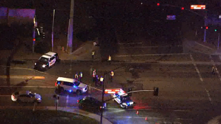 Chandler officer crashes into pole