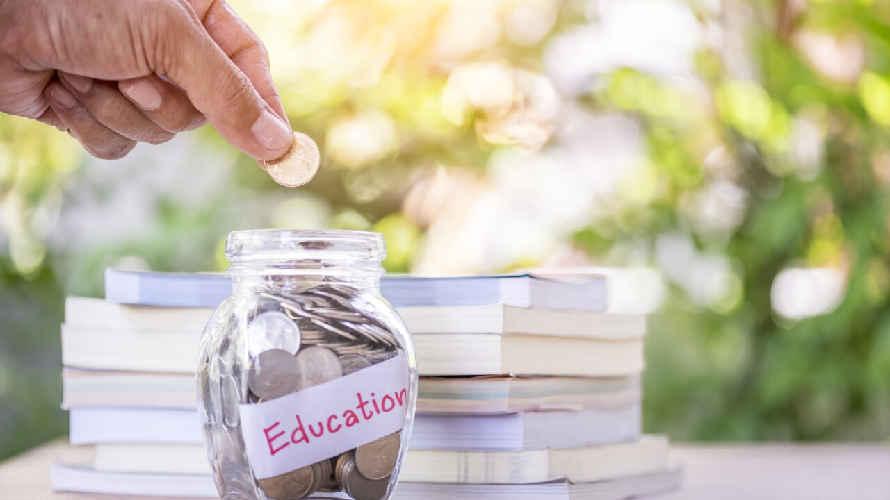 Tips on how to financially help your child in college
