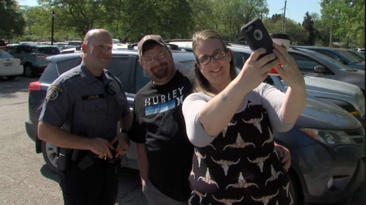 Couple praises Douglas County Sheriff's deputy for help
