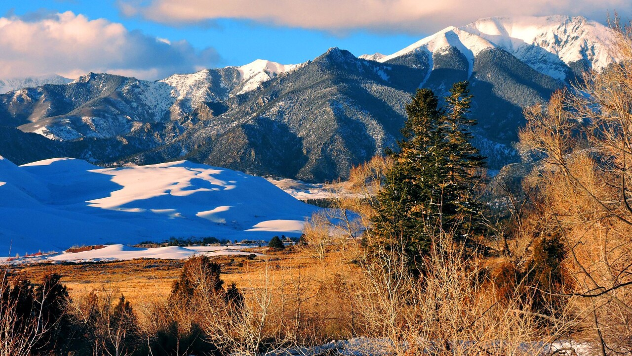 Snow on the Great Sand Dunes National Park and Preserve in Winter (9).jpg