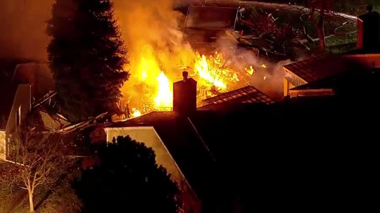 Fire crews respond to structure fire in Aurora