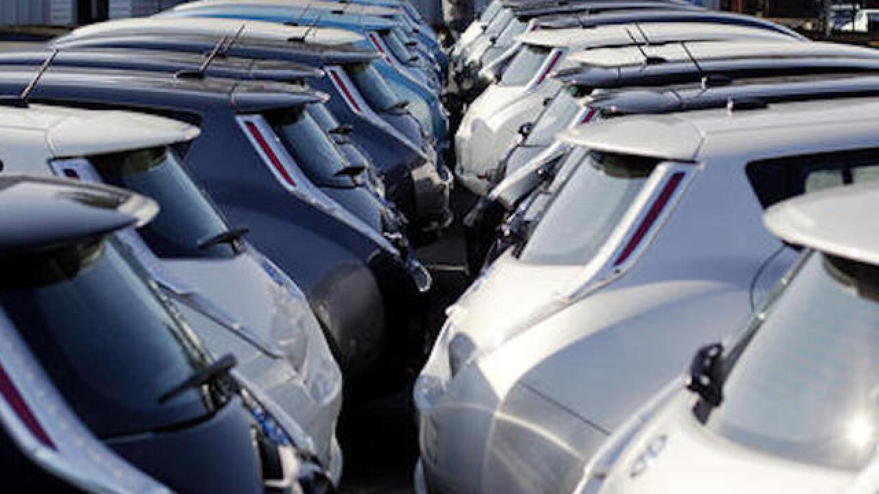 US auto sales headed for banner month