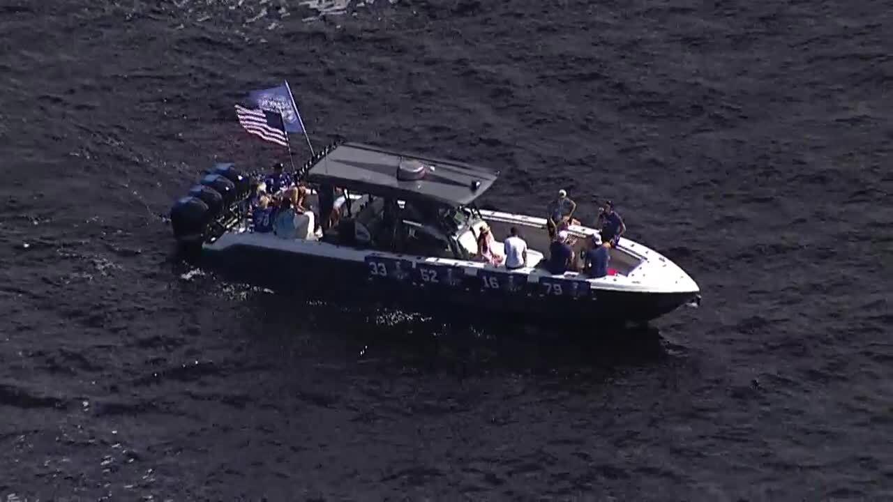 Boat Parade 3