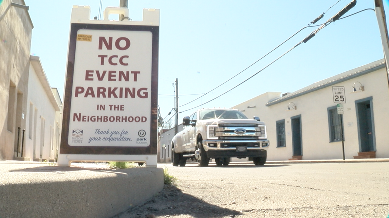 2020-01-31 Barrio Viejo TCC parking-sign.png
