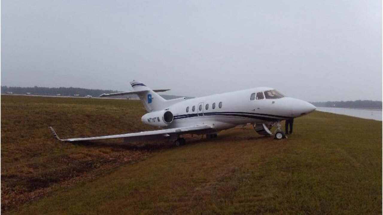 Virginia airport runway closed after small plane makes awkward landing