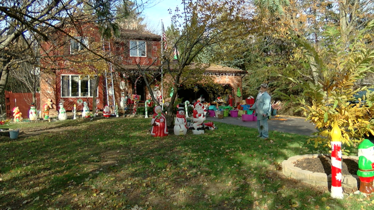 Western New York breaks out the Christmas yard celebration display early