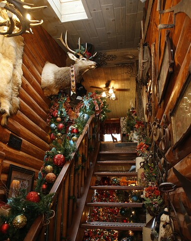 Log Cabin Christmas.Home Tour Fort Mitchell Condo Transformed Into A Log Cabin