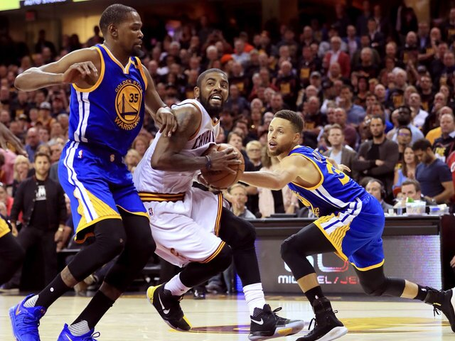 2017 NBA Finals Game 3: Warriors rally late to beat Cavs, take 3-0 series lead