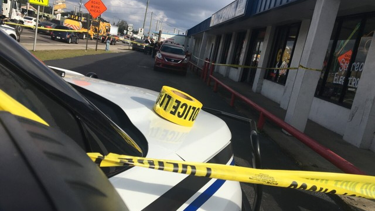 Pawn shop clerk fatally shoots attempted robber