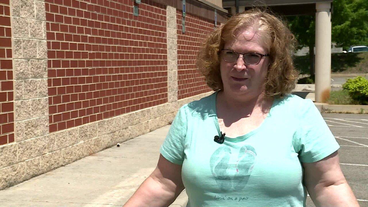 Woman says auction house lost vintage furniture, 'parents'memories'