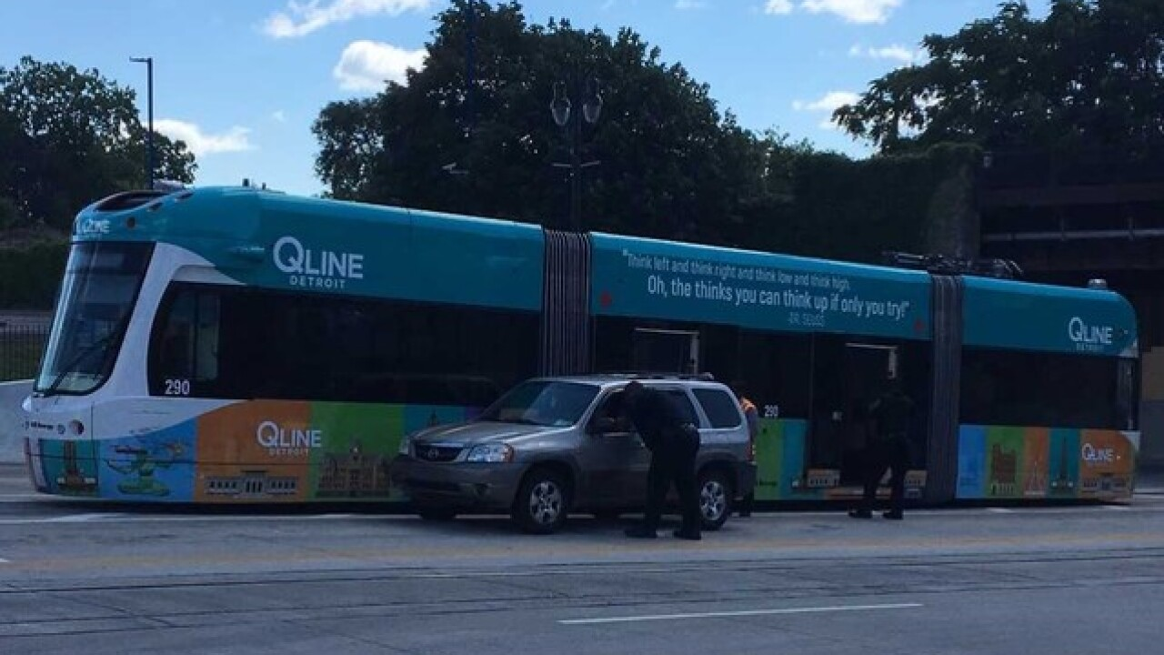 Vehicle cuts in front of QLINE causing accident