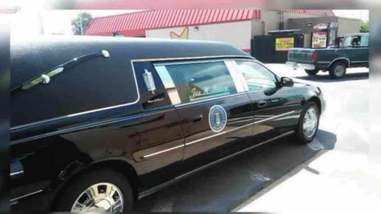Hearse with veteran's coffin left in Virginia Beach Hardee's parking lot while employees goinside