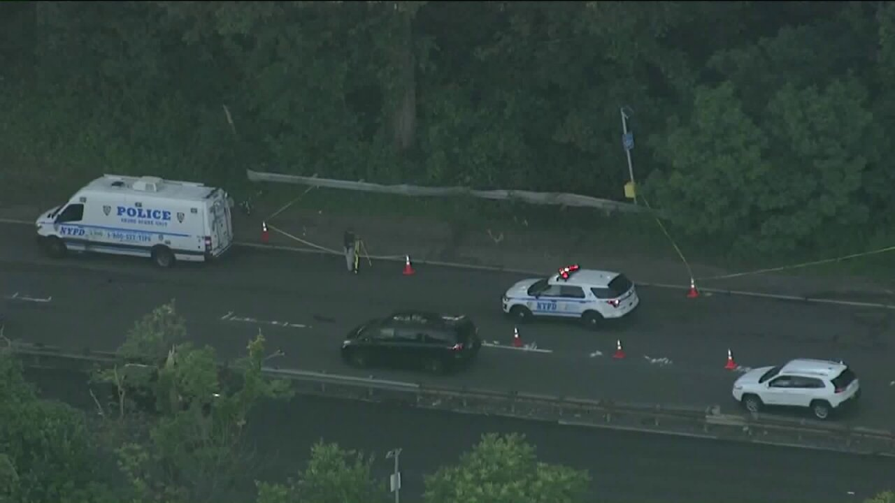 Badly burned body found on Bronx highway