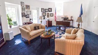 House for sale Hudson Valley, New York includes replica Oval Office