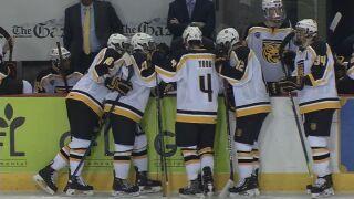 Colorado college hockey splits weekend with MSU