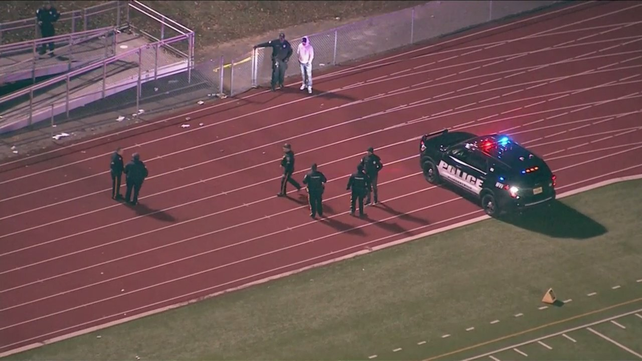 5 men are arrested after shooting at high school football game injures 3