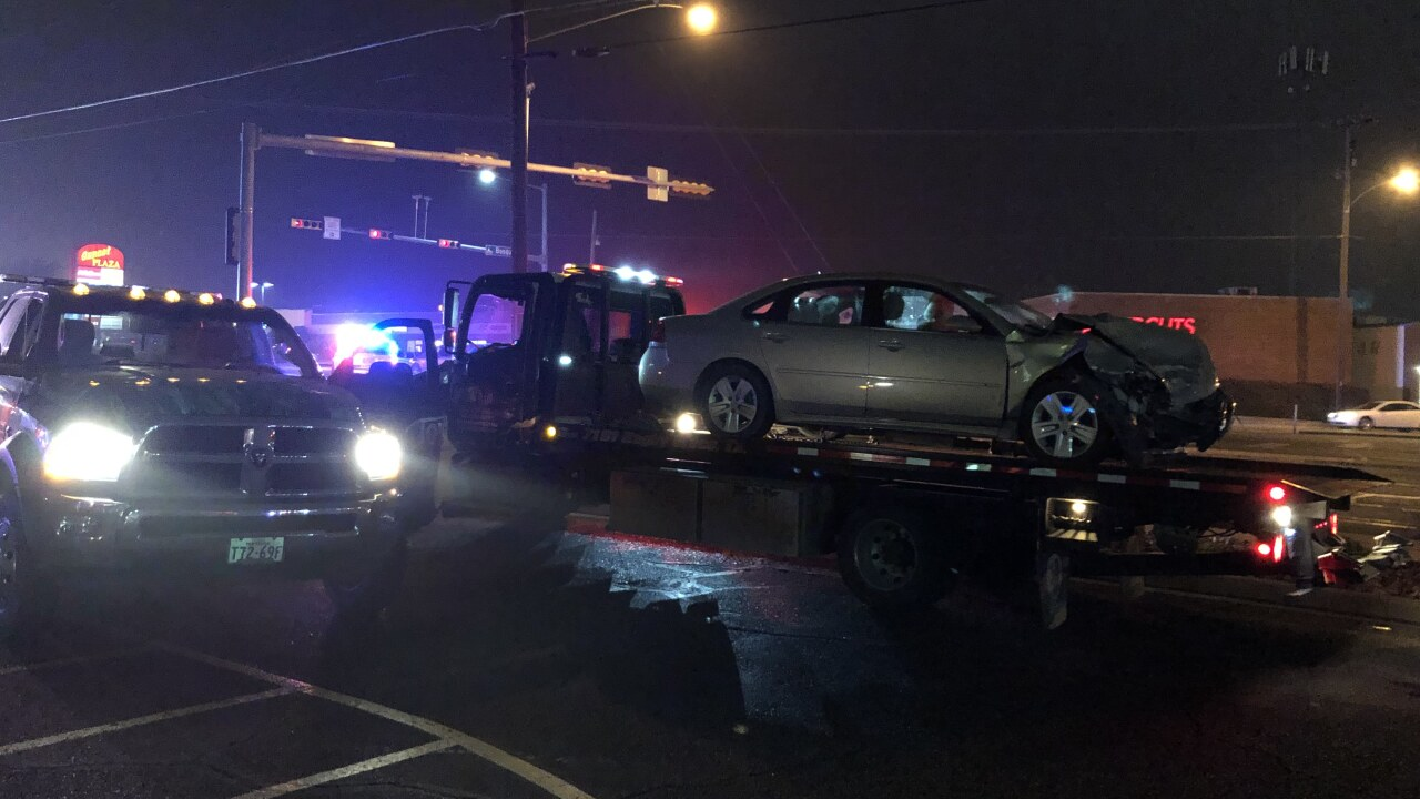 6 injured after two-vehicle accident in waco