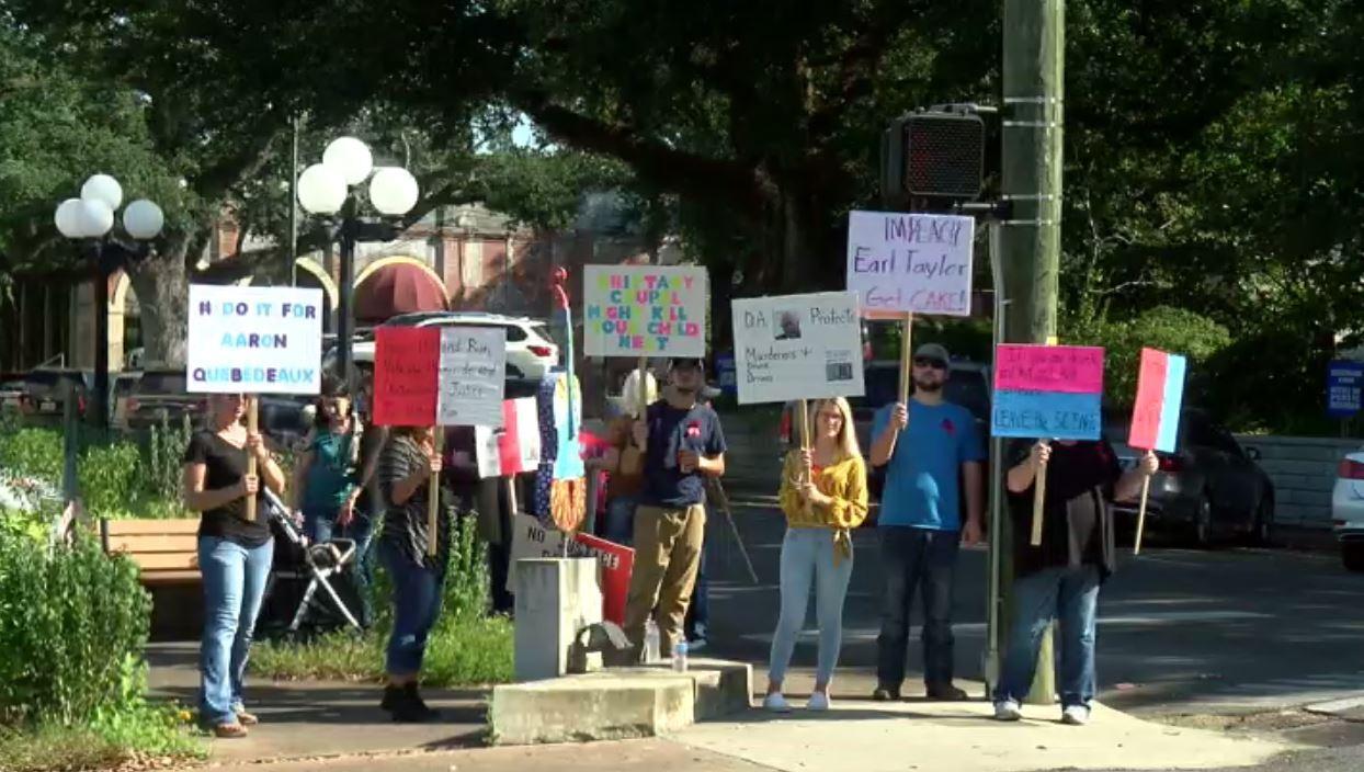 protest in opleousas.JPG