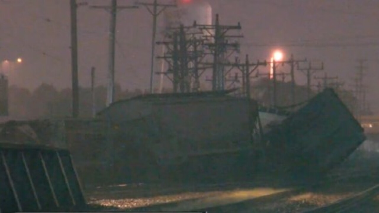 13 train cars derailed in Wauwatosa, no injuries