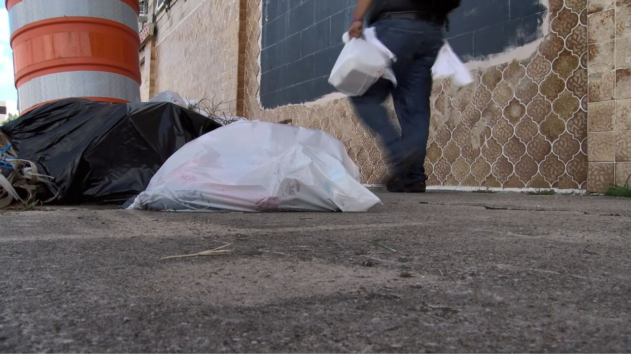 trash in uptown.JPG