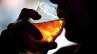 What drinking alcohol means for your cancer and death risk