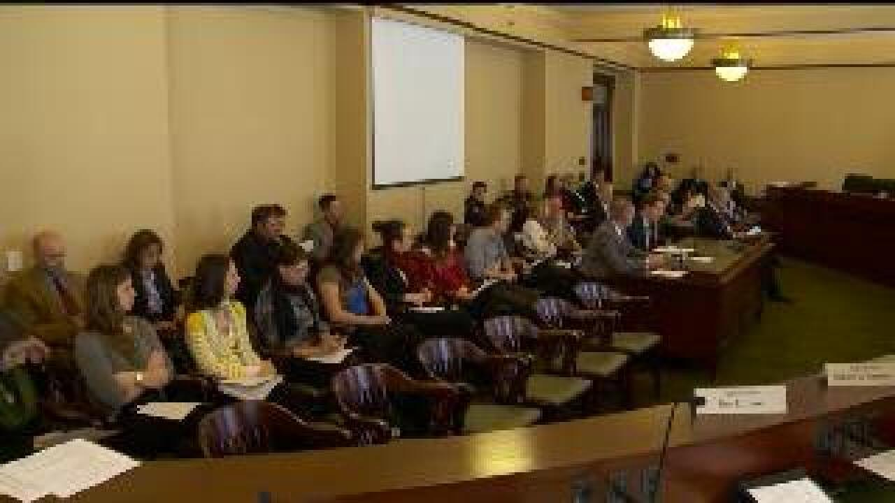 Committee passes bill to help prevent dating violence