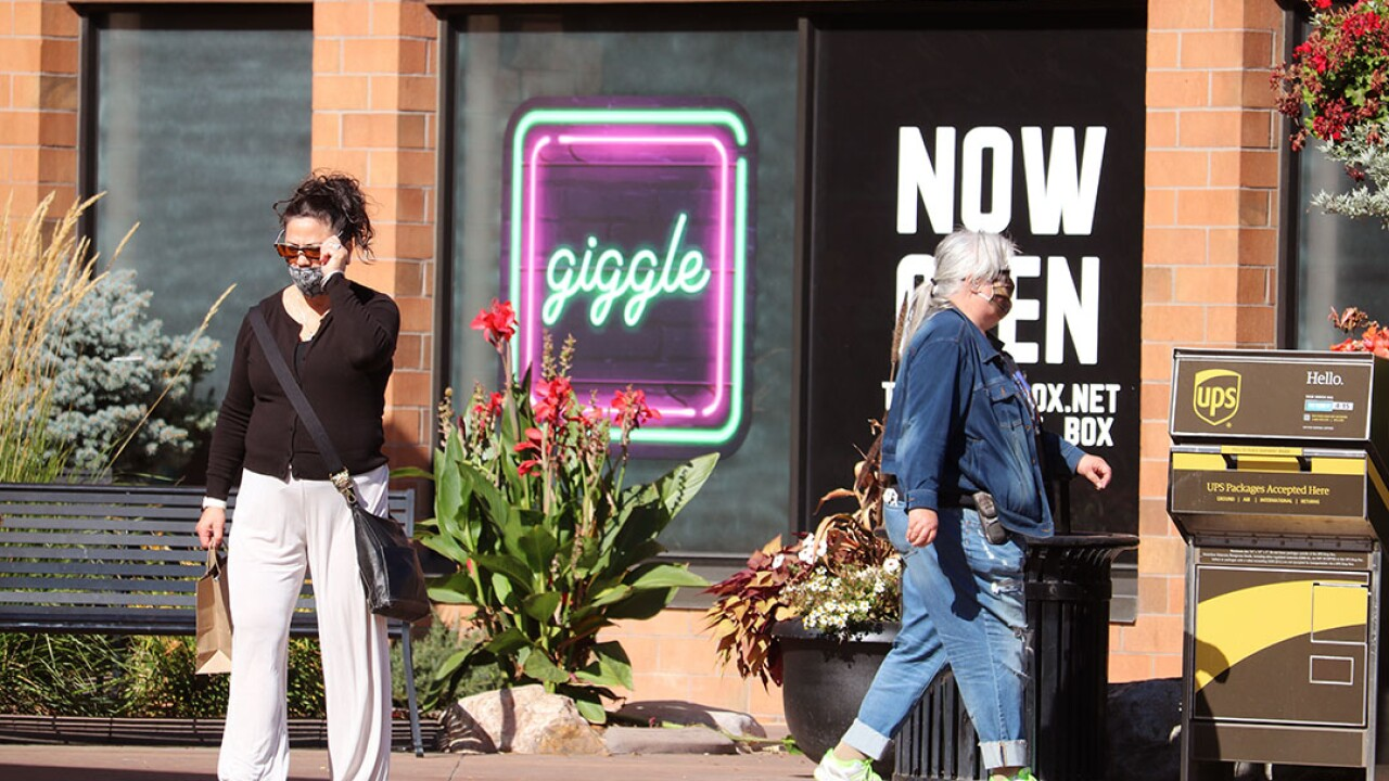 Southgate Mall Shoppers Outside