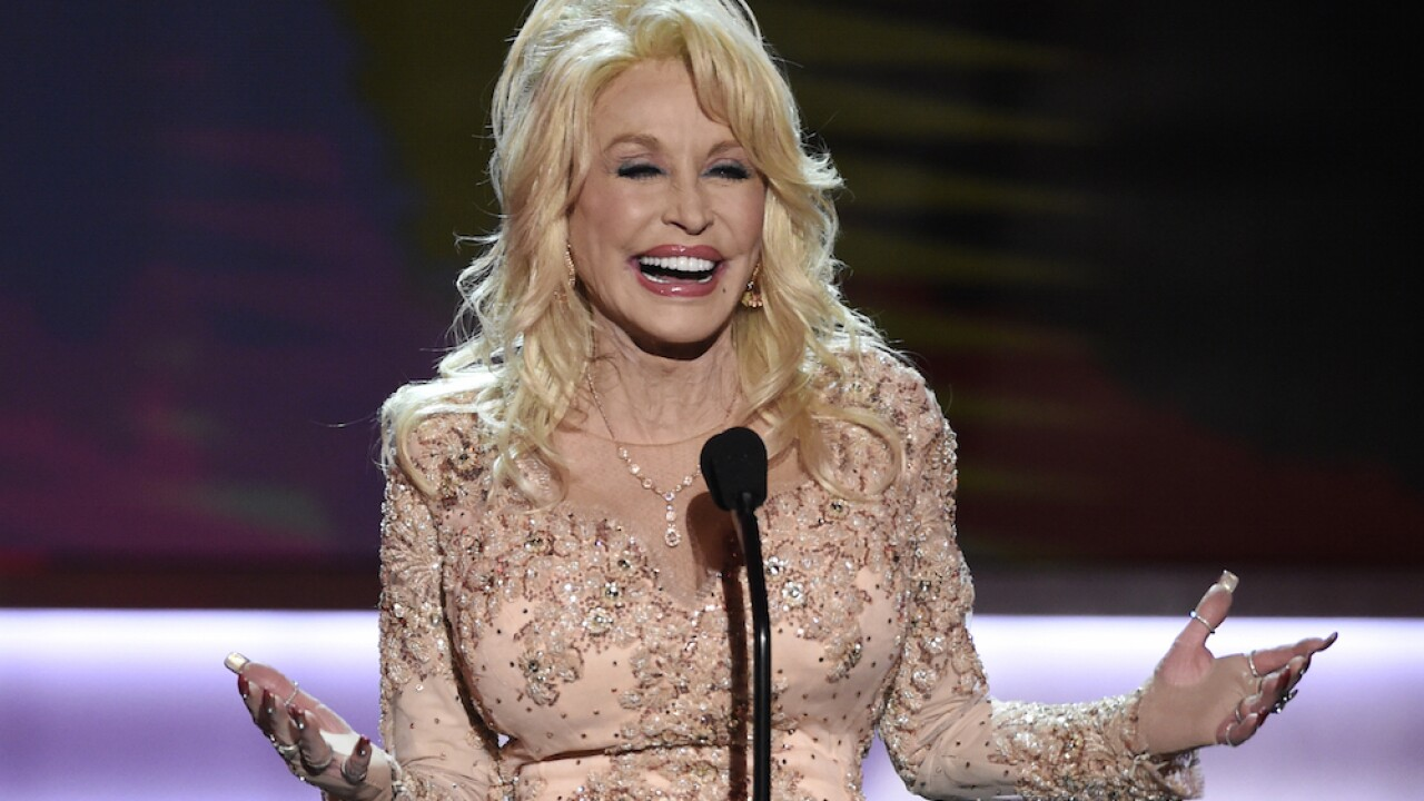 Dolly Parton to star in holiday Netflix movie