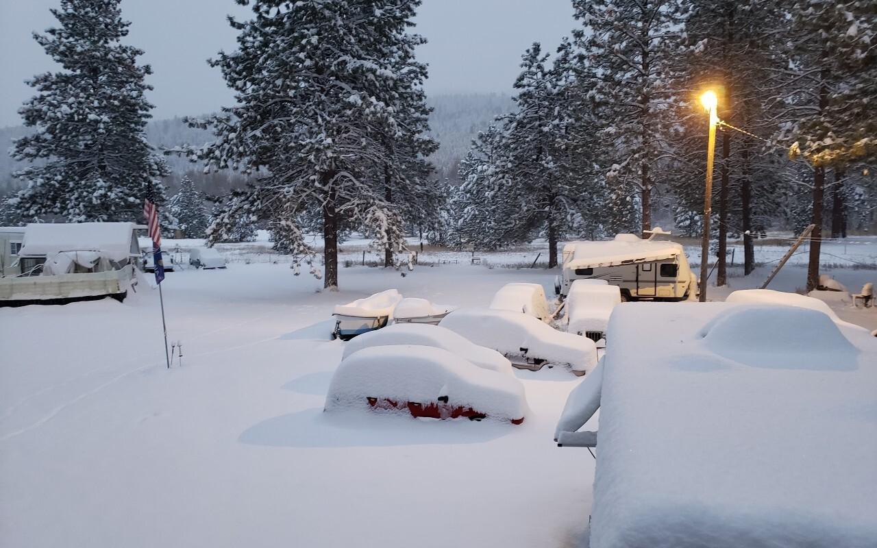 Snow Oct 24 9 Mile.jpg