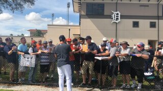 Tigers fans flock to Florida for an early taste of baseball