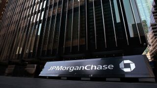 JPMorgan Chase 'bans the box,' will consider job applicants with criminal past