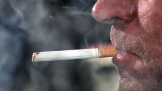 Adult smoking rate in US nosedives