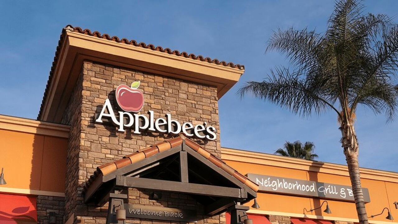 Applebee's $1 Drink of the Month for March is a Long Island iced tea