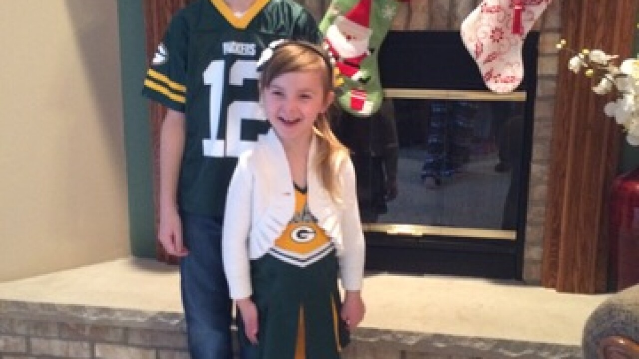 GALLERY: Fans cheer on Packers Sunday