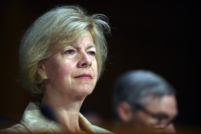 Tammy Baldwin announces federal funding to help Wisconsin combat opioid epidemic.