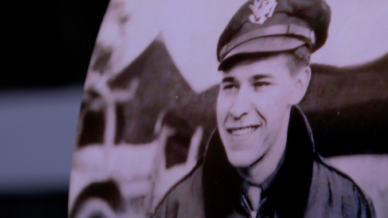 Robert Kubiak, 96, was a member of the 449th Bomb Group of the U.S. Air Corps during World War Two.jpg