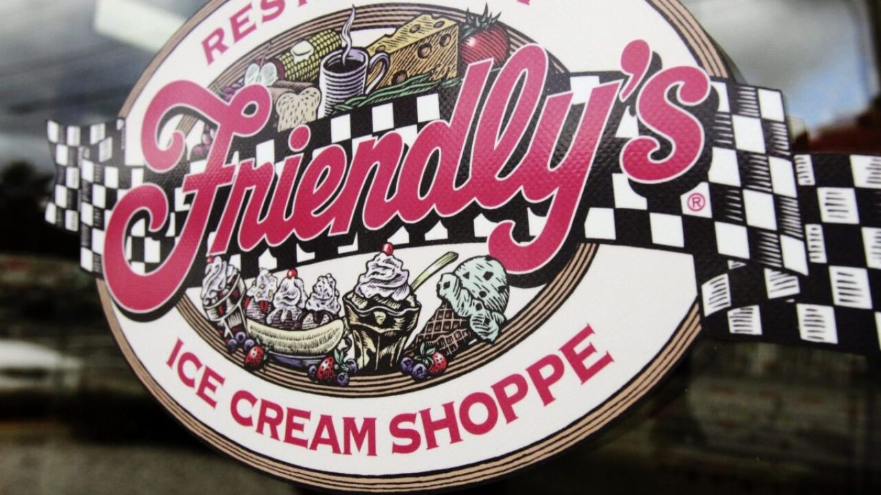Friendly's has make-your-own sundae kits for pickup or delivery