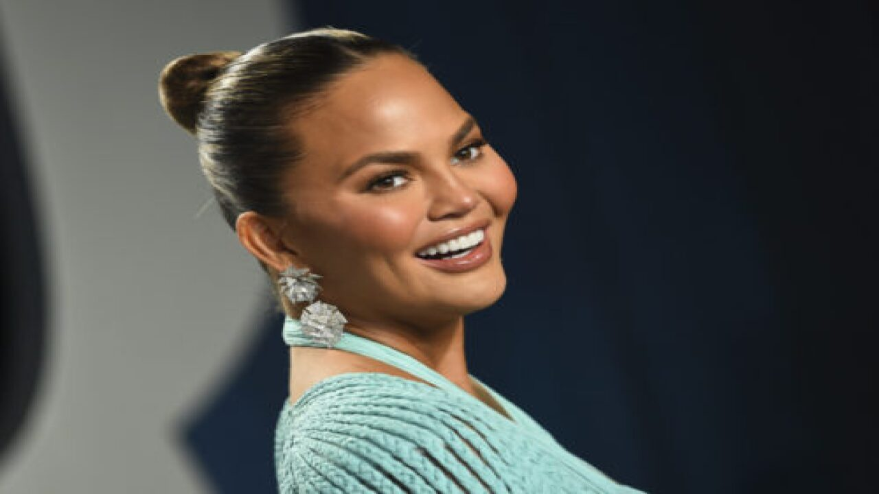 Chrissy Teigen Shared A Photo Of Her Family In Front Of The Washington Monument On Inauguration Day