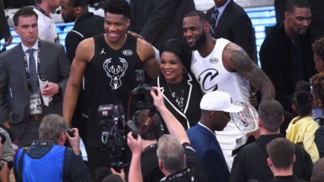 Antetokounmpo jokingly calls out LeBron James for tampering