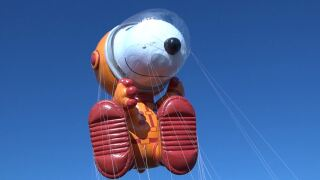 Astronaut Snoopy - Source Macy's.JPG