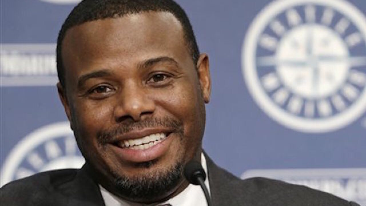 Griffey, Piazza elected to Hall of Fame