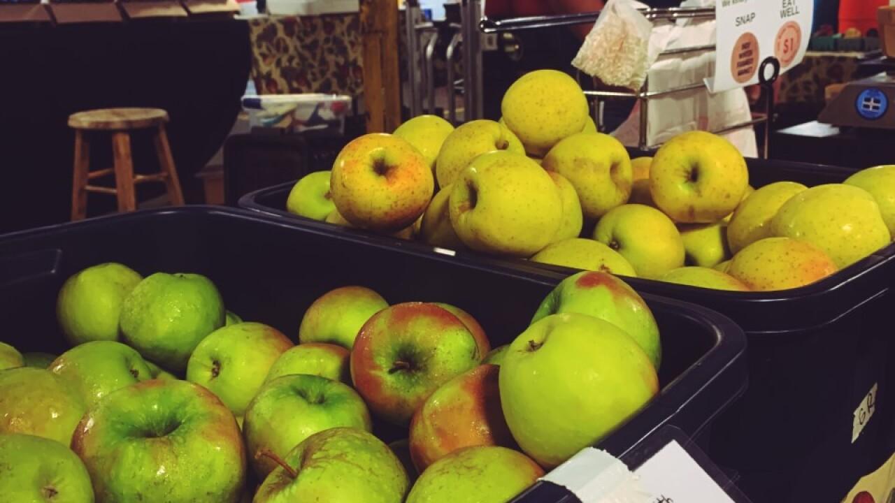 apples at iwfm.jpg