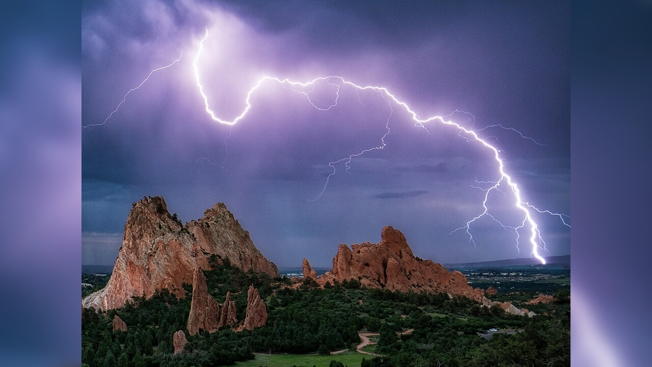 Garden of the Gods Lightning Lars Leber Photography.jpg