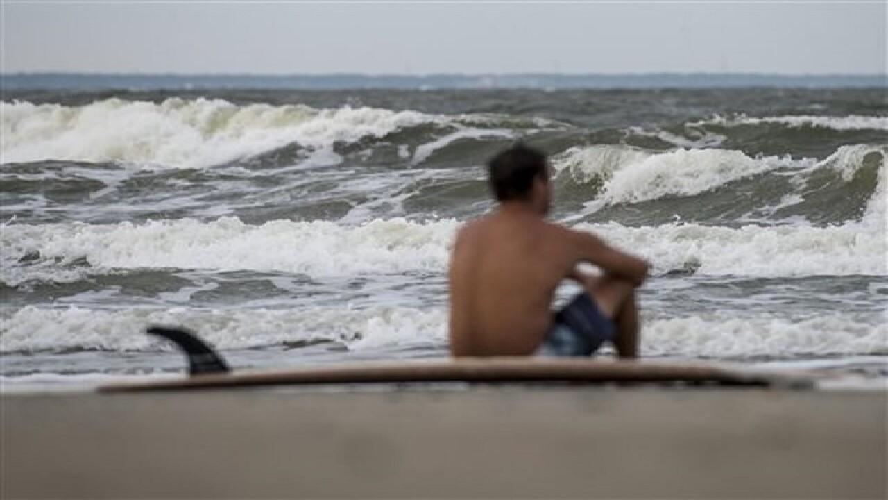 Evacuations urged as Matthew nears Fla.