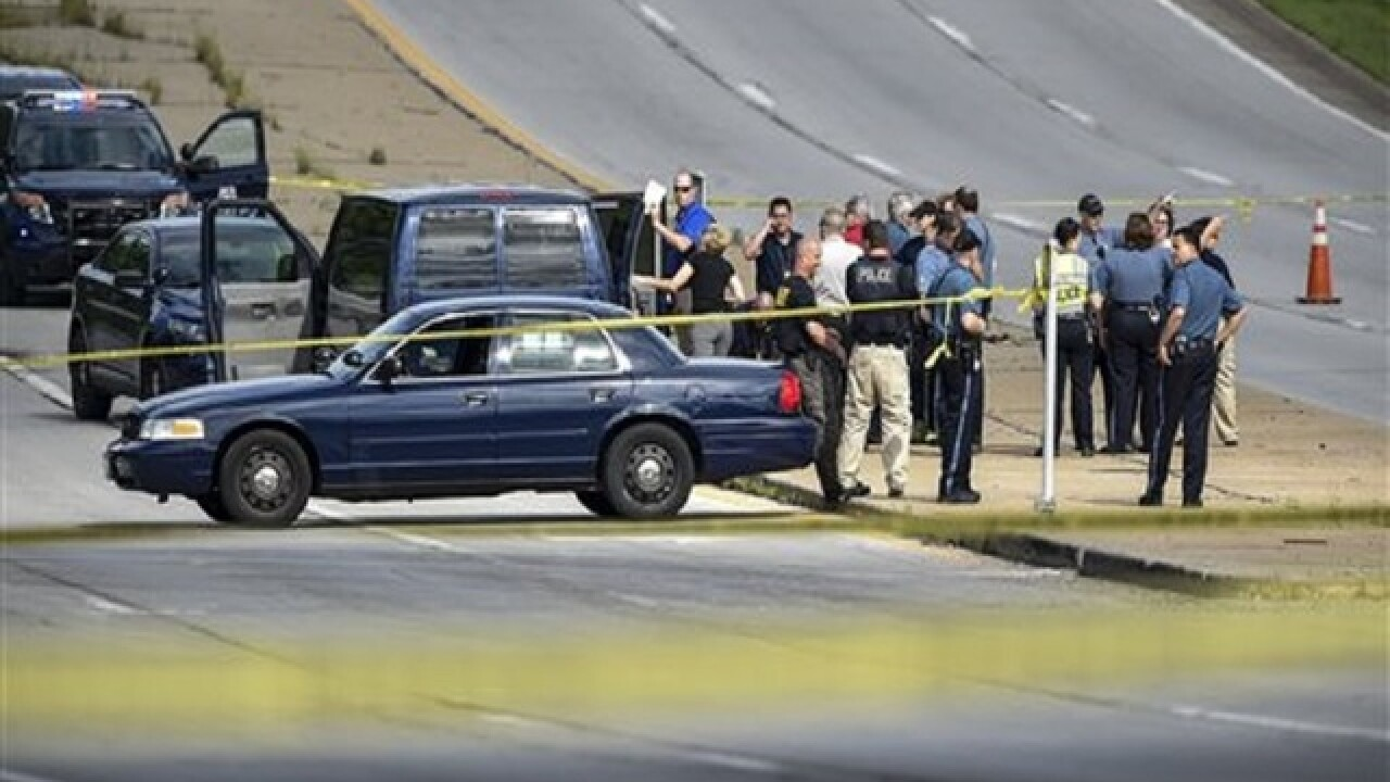 Kansas City, Kansas, detective fatally shot; man